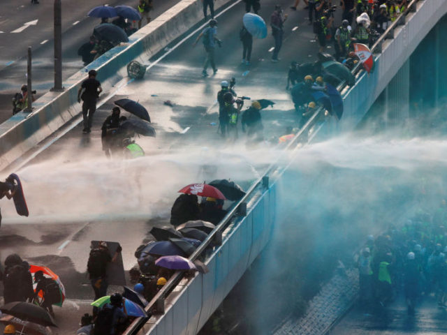 Hong Kong Police Use Pepper Spray, Sponge Grenades to Disperse Protesters – Reports