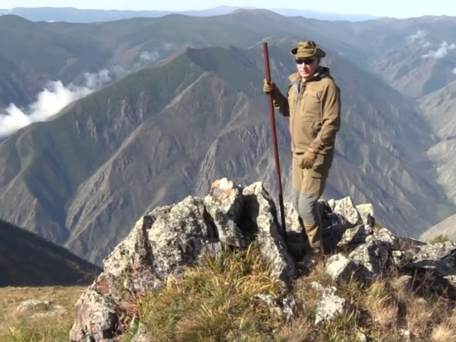 WATCH Putin hiking & driving off-road in Siberian mountains in signature holiday VIDEO