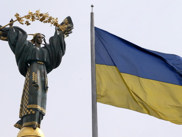 If Washington wants to help Ukraine, it should give Kiev money – Putin