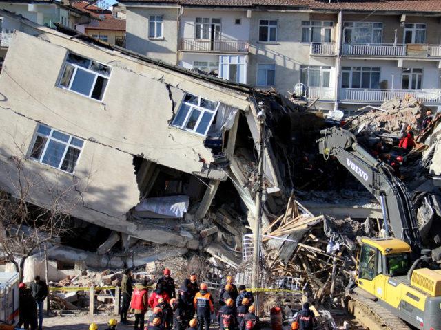 NEW earthquake hits already quake-devastated E. Turkish province
