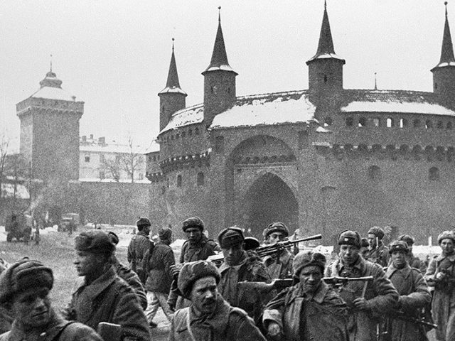 Legendary Soviet spy who saved Krakow from Nazi-made flood dies days after turning 103