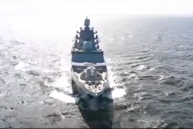 Out to the sea: Russia's cutting-edge stealthy next-gen frigate SPECTACULARLY tested in cold waters (VIDEO)