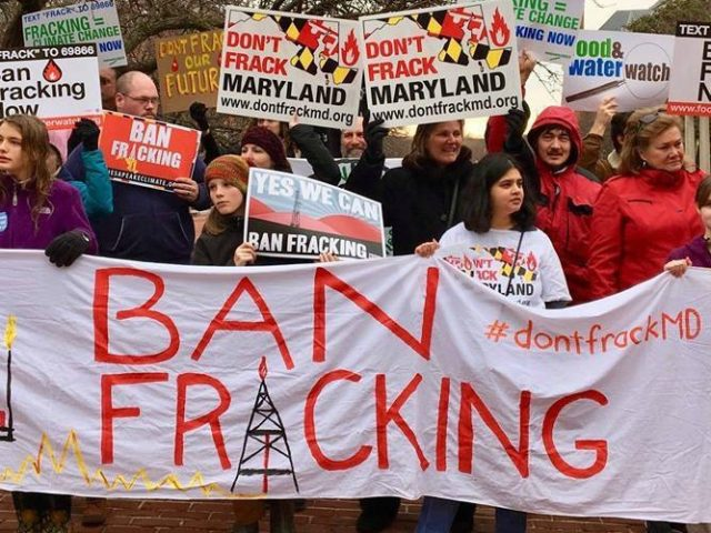 Banning Fracking: Politically Smart and a Climate Necessity