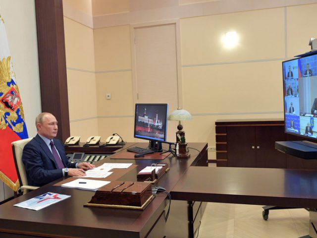 Paid holidays end May 12, Russia to start gradually easing coronavirus quarantine measures – Putin