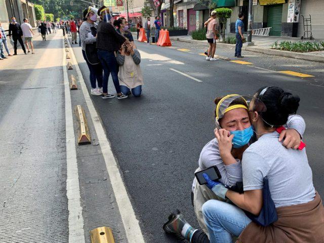 Terrified residents flee shaking buildings as 7.5-magnitude earthquake strikes southern Mexico (PHOTOS, VIDEOS)