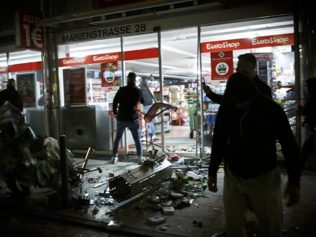 'A real rampage': Rioters attack police and smash shops in Stuttgart, Germany (VIDEOS)
