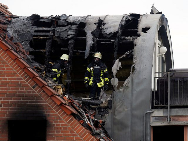 3 killed as small plane crashes into apartment block in Germany (PHOTO, VIDEO)