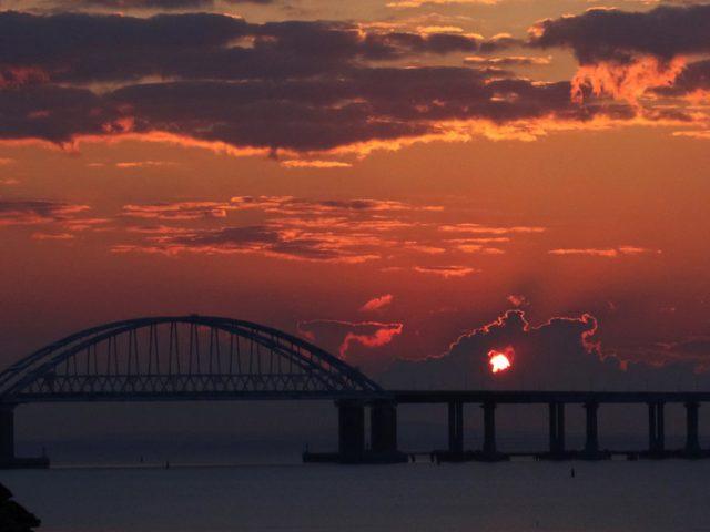 Russia launches railway cargo traffic across Crimean Bridge (PHOTOS, VIDEO)
