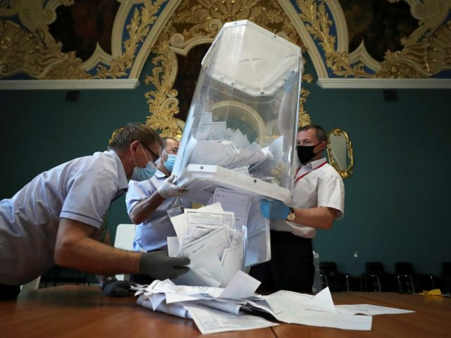 Russians vote in favor of changes to constitution enabling Putin to remain as president until 2036 – preliminary results