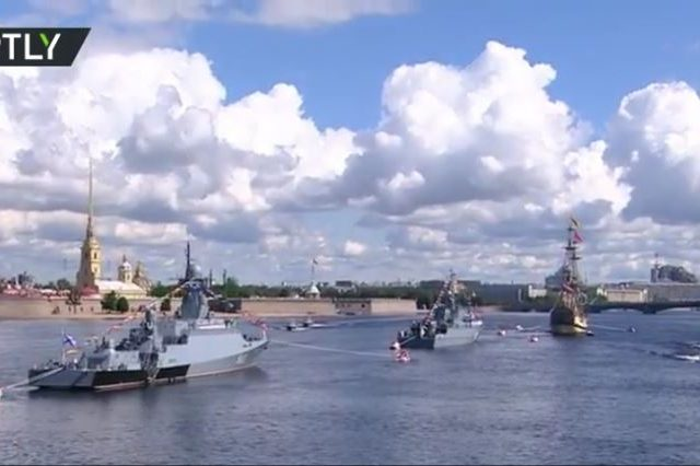 Putin promises unrivalled tech & weapons for Russian military as Navy Day marked with showcase parades (PHOTOS, VIDEO)