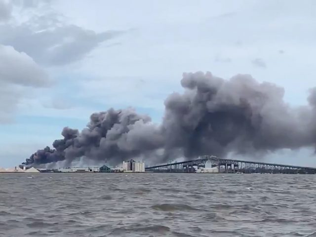 First Hurricane Laura, now a CHEMICAL FIRE: Louisiana towns told to stay indoors, turn off air conditioning (VIDEOS)