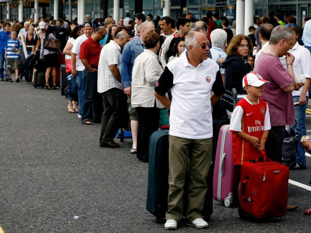 UK imposes 14-day self-quarantine for travelers from France & Netherlands, doubles fines for not wearing mask