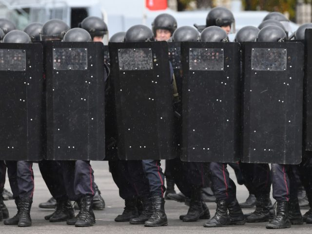 After Putin-Lukashenko talks in Sochi, Russia disbands controversial standby National Guard unit stationed near Belarus border