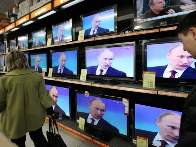 Western pundits confounded again as Putin's popularity rises despite major shift in Russian news consumption from TV to online