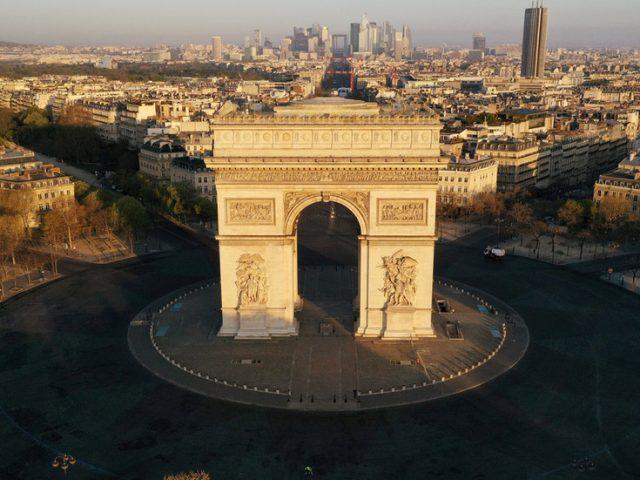 Arc de Triomphe area in Paris evacuated over bomb threat