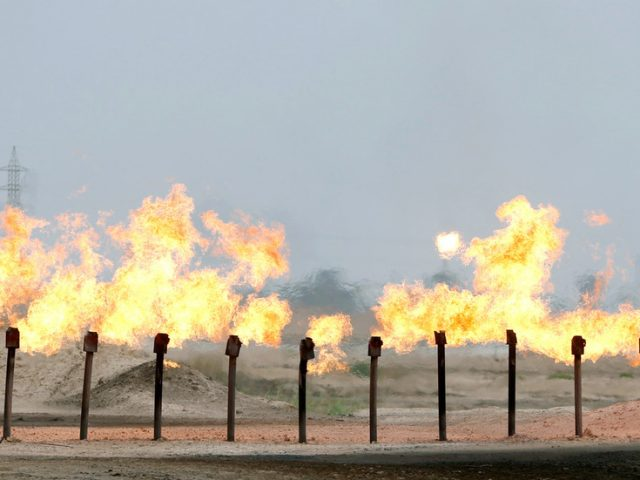 Iraq does not want to be exempt from OPEC+ deal as oil exporters close to keeping output curbs
