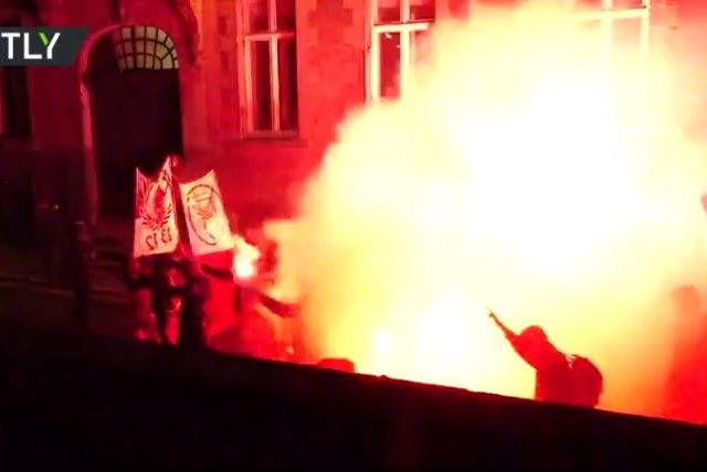 Rally against French bill outlawing sharing images of police dispersed with tear gas in Nantes (VIDEOS)