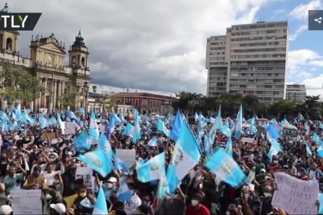 Protesters TORCH Guatemala's parliament building amid fury over budget cuts (VIDEO)