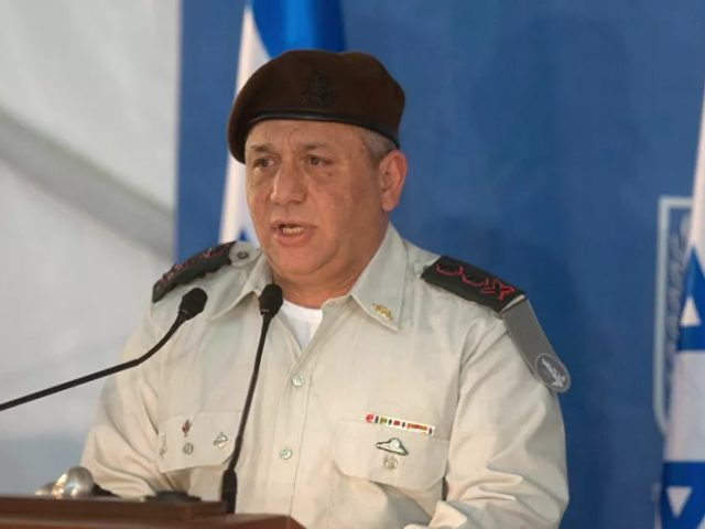 Generals to the Rescue: What's Behind Israeli Public's Obsession With Chiefs of Staff in Politics?
