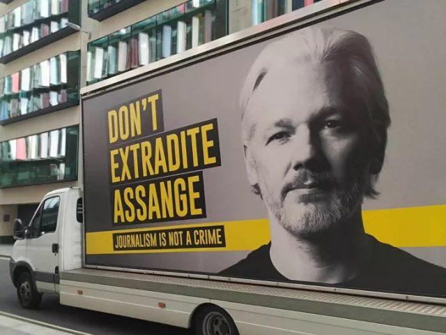Snubbing Civil Liberties Groups, Biden's DOJ Plans to Pursue Assange Extradition From UK