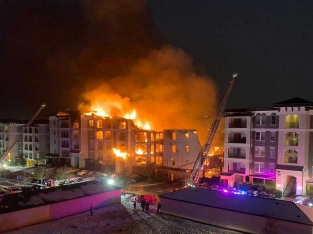 Texas apartment block collapses as firefighters can't retrieve water from frozen hydrants (PHOTOS, VIDEO)