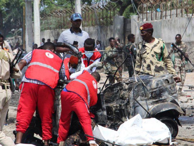 At least 8 killed in police convoy bombing in Mogadishu, Somalia – media