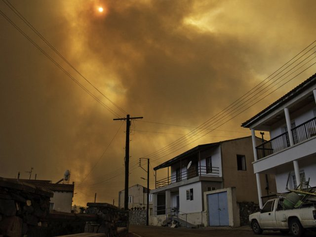 At least 4 killed as 'one of the most destructive' fires in decades rages in Cyprus (VIDEO)