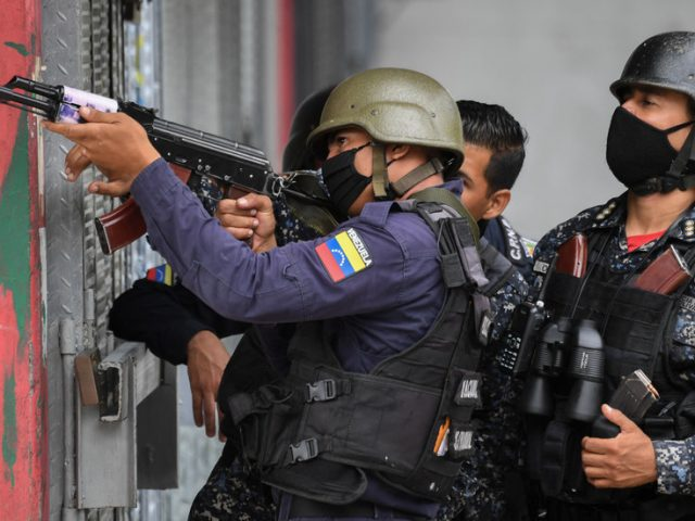 Venezuela reports crushing heavily armed gang in Caracas, blames US, Colombia for instigating violence