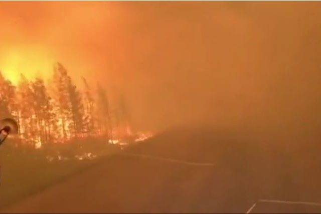 Hell on the Road of Bones: Wildfires in Russia's Far East engulf highway known worldwide for danger & extremely cold temperatures