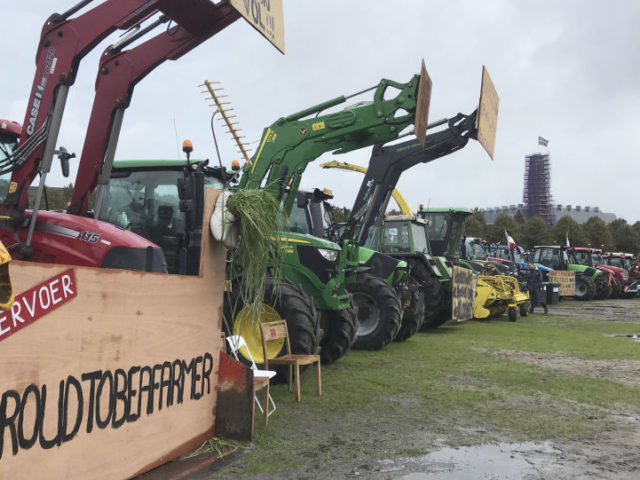 Dutch Farmers Cause 'Busiest Morning Rush Hour' Ever in Tractor Protest Against Agricultural Policy