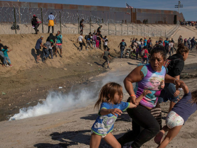 US Reportedly Found 300 Dead Bodies of Immigrants Along US-Mexico Border in 2019
