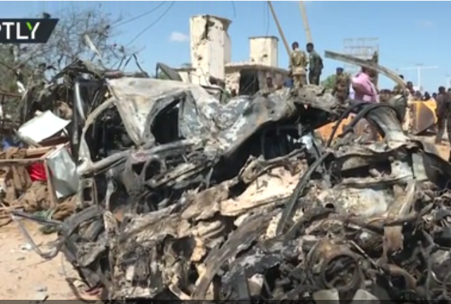 Over 70 killed as truck bomb explodes at crowded security checkpoint in Somalia's capital (PHOTOS, VIDEOS)
