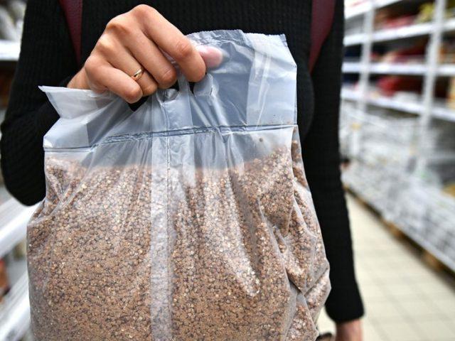 Russia BANS export of certain grains amidst run on buckwheat
