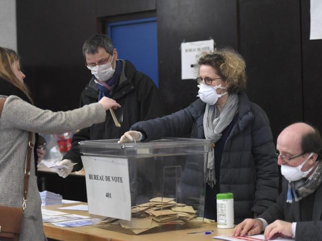 Mandates above all? Macron declares himself 'guarantor of HEALTH & democracy' as Paris pushes citizens to vote amid coronavirus