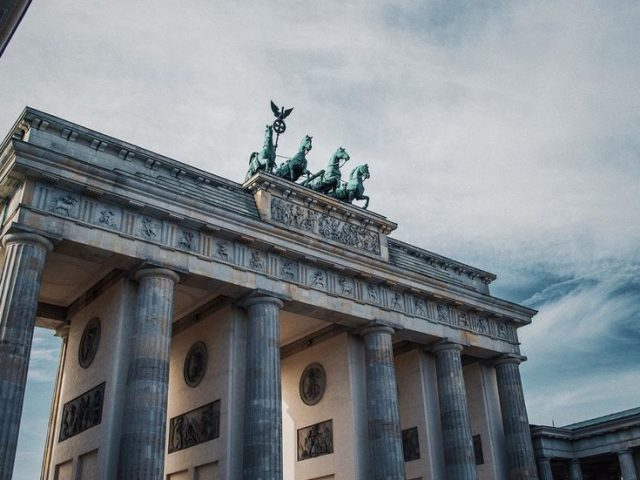 'Eurozone at crossroads' as economic recovery stalls on Covid-19 growth