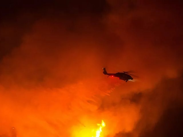 Hundreds of Homes Evacuated as Massive 'Firenado' Devours Over 10,000 Acres in California – Video