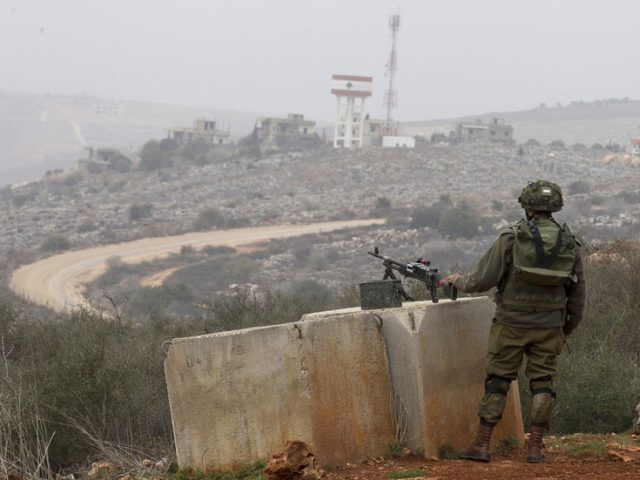 Reports of gunfire & explosions as IDF launches flares in response to 'security incident' at Lebanese border (PHOTO, VIDEOS)