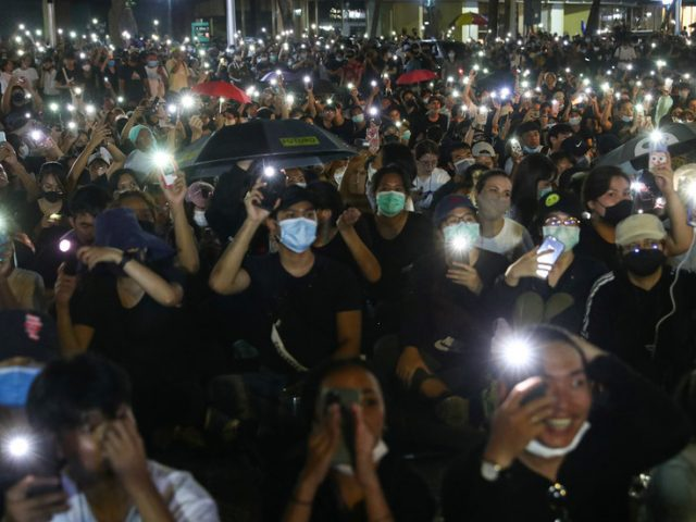 WATCH: Thousands gather to call for new constitution, 'real democracy' in Bangkok, Thailand