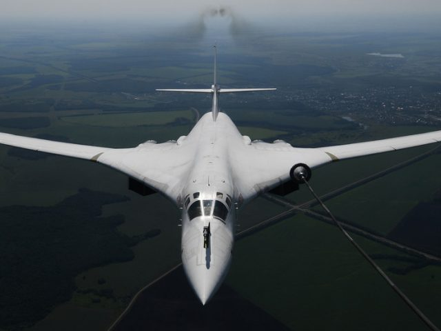 25 hours & 20,000km! Russian Tu-160 strategic bombers set new WORLD RECORD for range & duration of non-stop flight