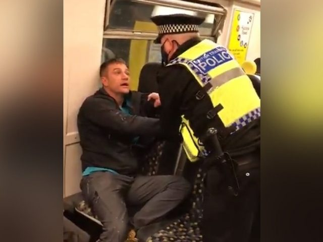 Liverpool cop FIGHTS, pepper-sprays, & handcuffs maskless commuter with alleged 'health condition,' triggering online wrath