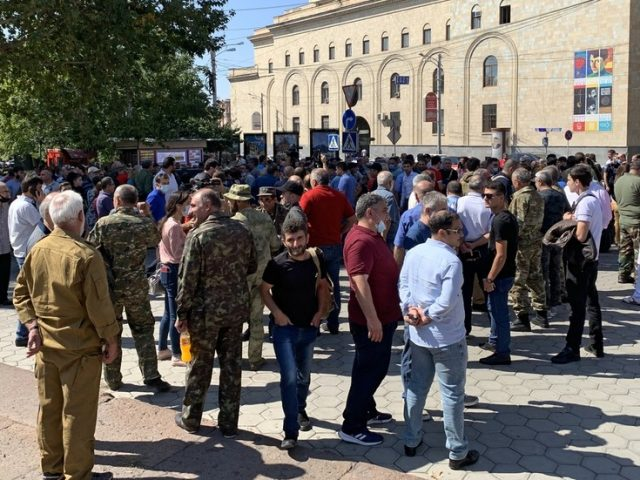 'A fight of of life and death': Armenian PM urges army veterans to re-enlist & battle Azerbaijan in Nagorno-Karabakh conflict