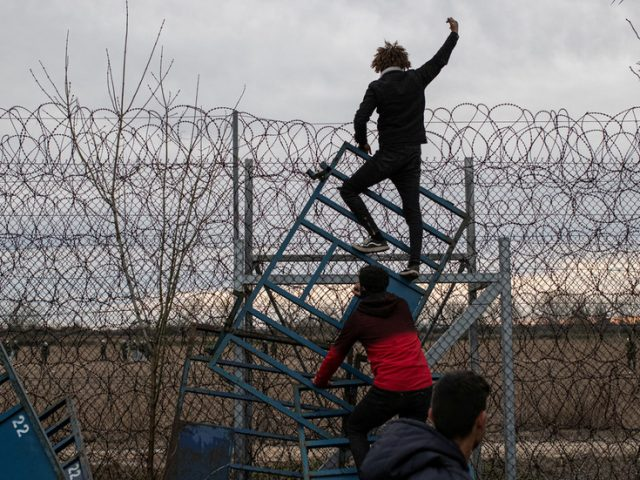 Greece to expand wall on Turkish border to block migrants