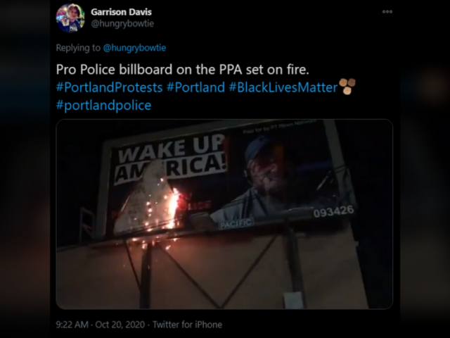 Portland protesters leave 'Kill the president' message on police union building & set fire to pro-cop billboard (PHOTOS, VIDEO)