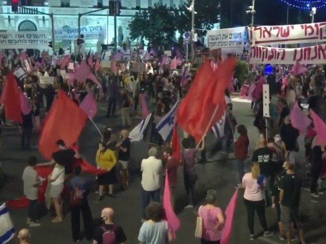 Demonstrators Protest Outside Prime Minister Netanyahu's Residence in Jerusalem – Video
