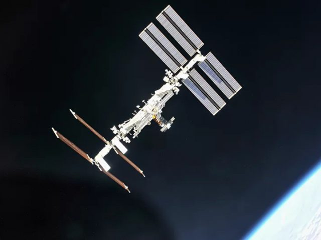 ISS Crew Successfully Patched Crack in Russian Module, Roscosmos Confirms