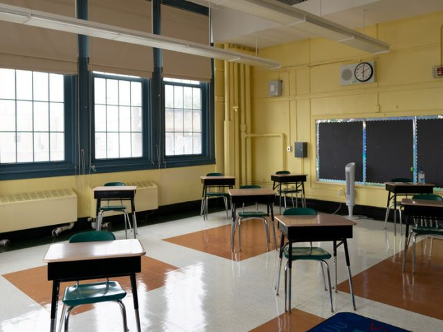 NYC schools to close 'indefinitely' as city's weekly Covid-19 positive rate reaches 3%
