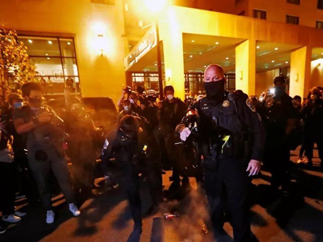 Police Trying to Maintain Order as Clashes Occur Following Trump Rally in DC – Videos