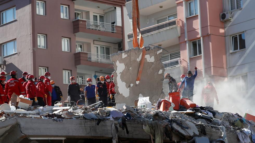 Turkish seismologists