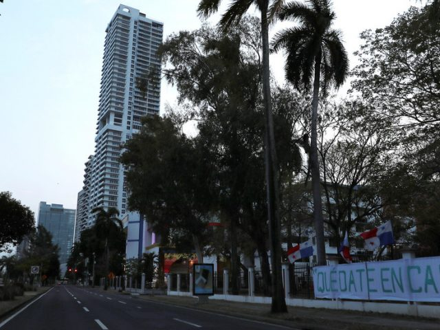 Men & women in Panama obliged to do Christmas shopping ON DIFFERENT DAYS, officials announce, amid complaints over trans rights