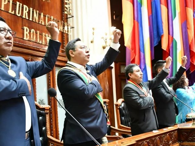 Bolivian Socialist Gov't Restoring Economy as Opposition Continues Political Fight, Journo Says